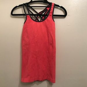 NUX cross back tank top with bra